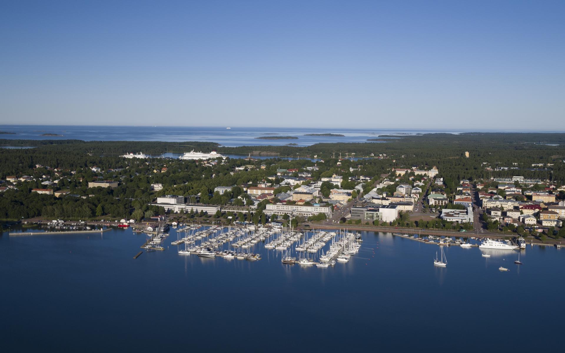 Drönarvy över Mariehamn